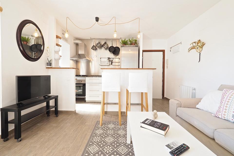 Zen stile affascinante appartamento con 2 camere da letto for Appartamento con 2 camere da letto