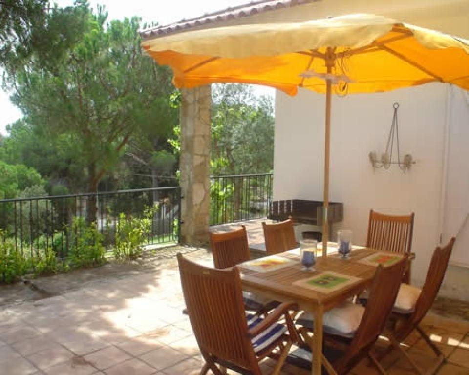 einfamilienhaus mit pool lloret de mar barcelona home. Black Bedroom Furniture Sets. Home Design Ideas