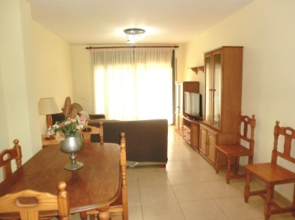 Appartamento per famiglie con 2 camere da letto e piscina for Appartamento con 2 camere da letto