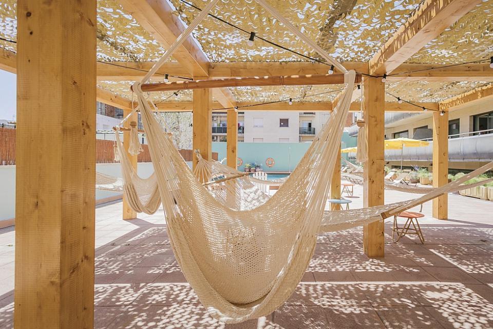 Studio di charme con piscina comune a sant andreu for Piscina sant andreu