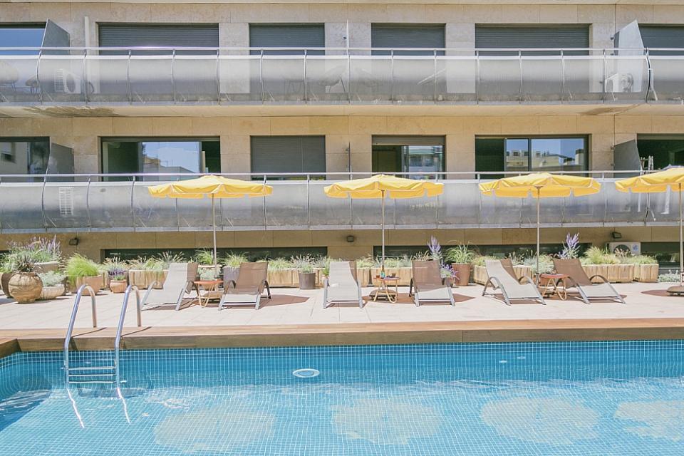 Studio con piscina comunitaria a sant andreu barcelona home for Piscina sant andreu