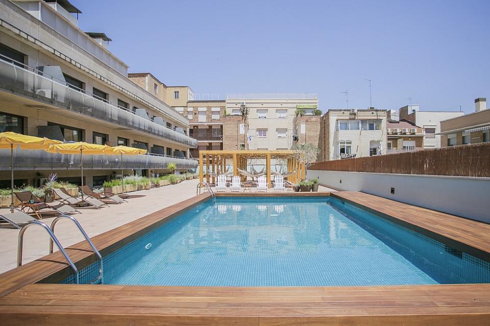 Appartement avec piscine commune et 1 chambre la sagrera for Appartement piscine