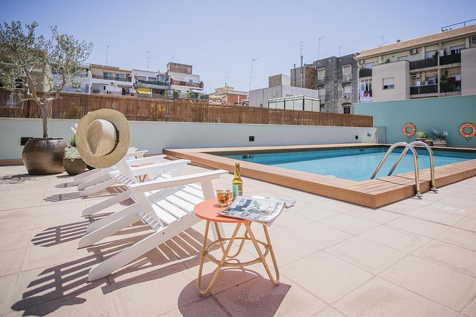 Sant andreu apartamento piscina comunitaria barcelona home for Piscina sant andreu