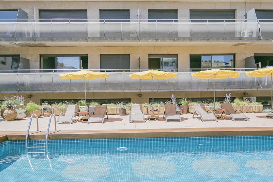 Alquiler de vacaciones con una habitaci n y piscina sant for Piscina sant andreu
