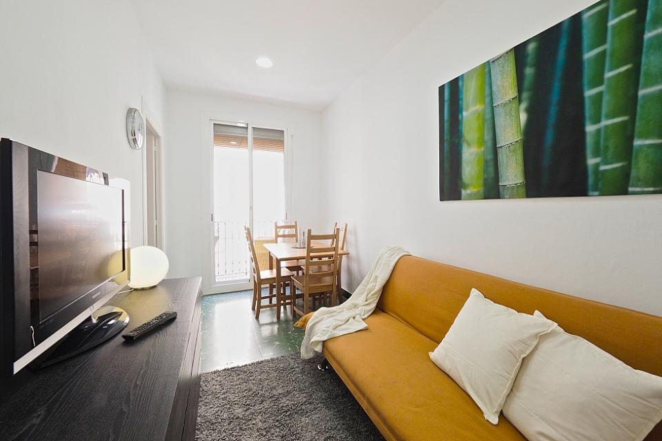 Friendly 2 Bedroom Apartment Near Pla A Universitat Barcelona Home