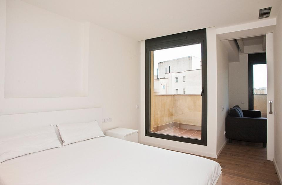 Bel appartement minimaliste et 1 chambre born barcelona for Appartement minimaliste