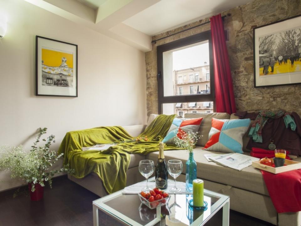 Apartamento de 2 habitaciones para familias en ciutat for Habitaciones para familias