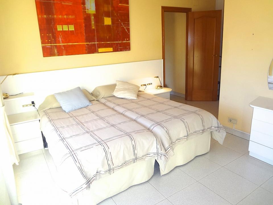 Spaziosa casa con piscina e 4 camere da letto massis del for 2 camere da letto 1 bagno di casa