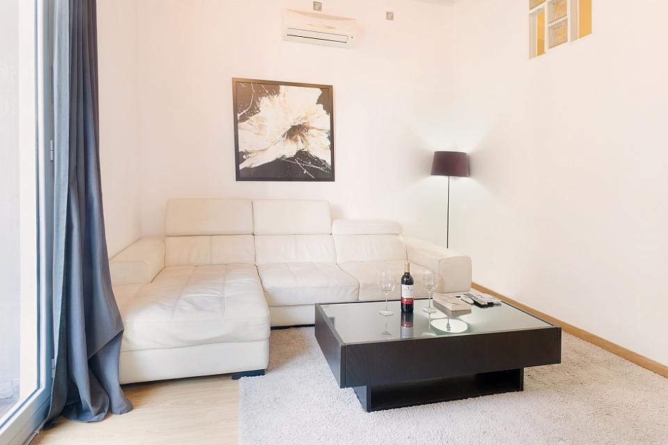 Bellissimo appartamento con 3 camere da letto nel cuore di for Appartamento con 3 camere da letto nel seminterrato