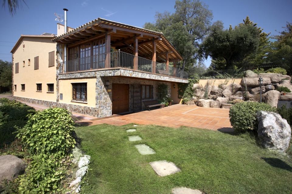 Casa con 5 habitaciones en terrassa barcelona home - Casas en terrassa ...