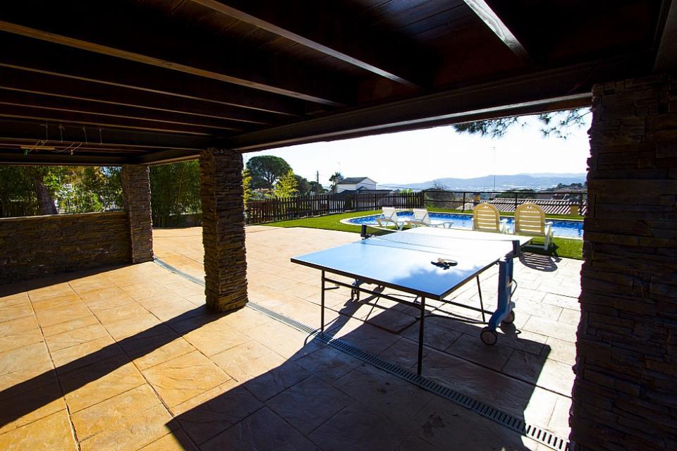 Casa con 3 camere da letto e piscina tordera barcelona home for Prezzo medio della casa di 3 camere da letto
