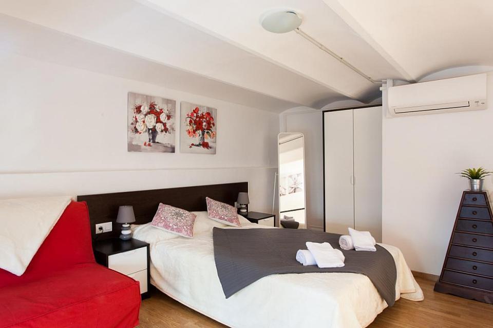 Bel duplex in gracia con 3 camere da letto barcelona home for 2 camere da letto 1 bagno piani duplex