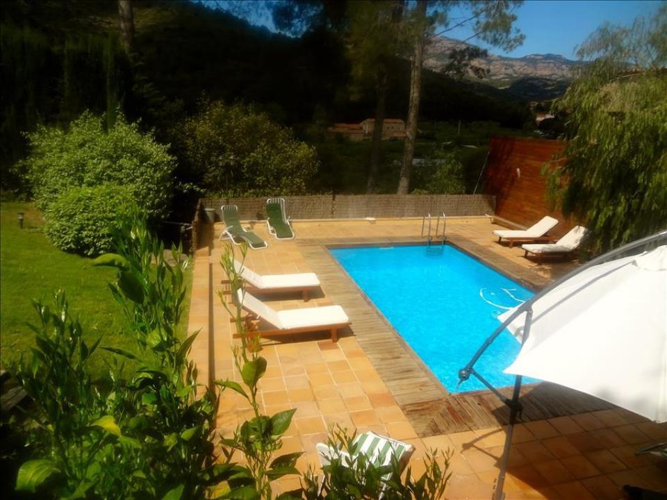Casa espaciosa con piscina y sala de juegos aire sol for K sol piscinas