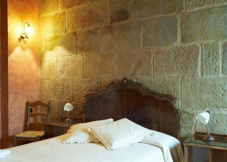 Colonia signorile con piscina e sei camere da letto for Piani di sei camere da letto
