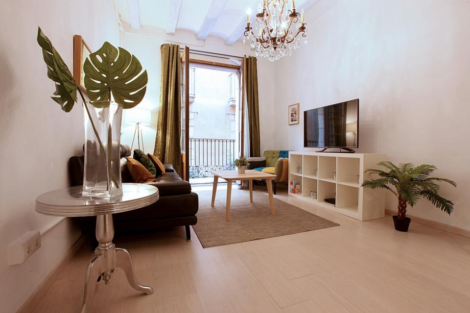 stylish 3 bedroom apartment for rent in el born barcelona home