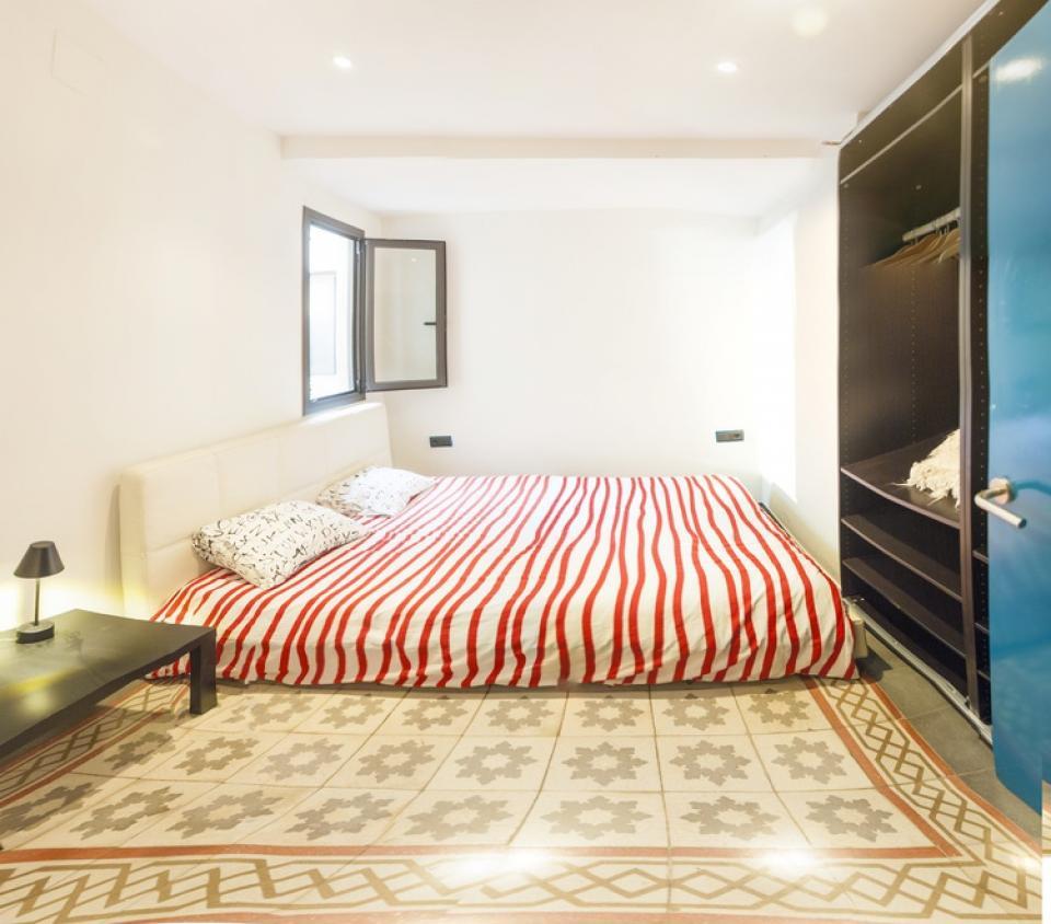 Stylowe retro mieszkanie w eixample barcelona home for P m bedroom gallery