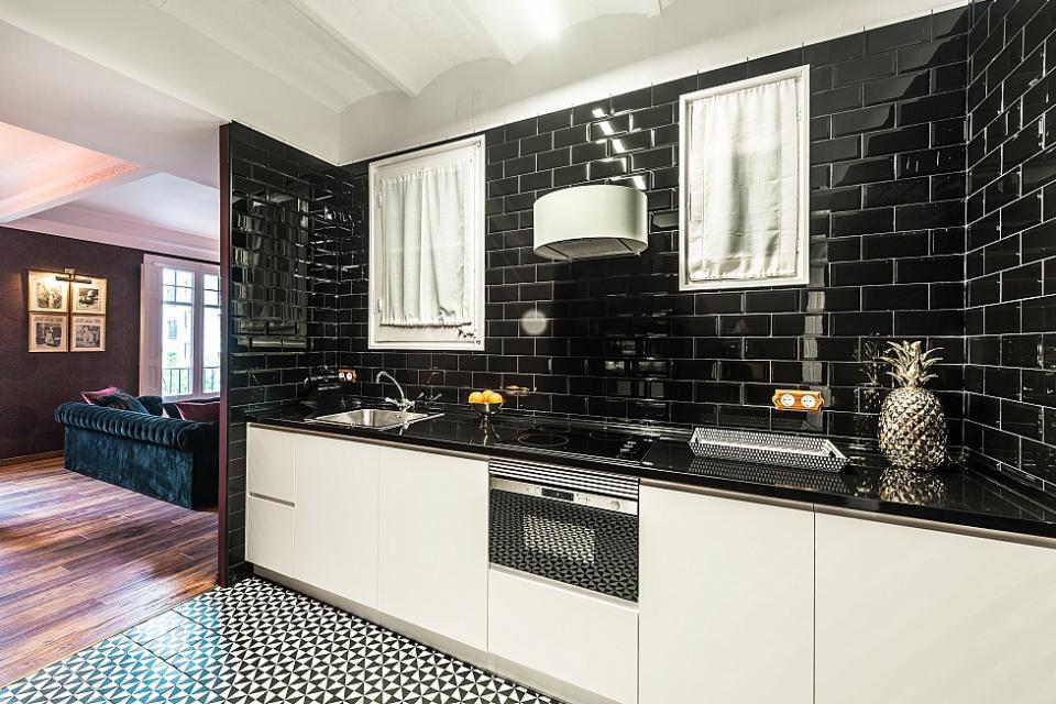 luxus 1 zimmer wohnung barcelona home. Black Bedroom Furniture Sets. Home Design Ideas