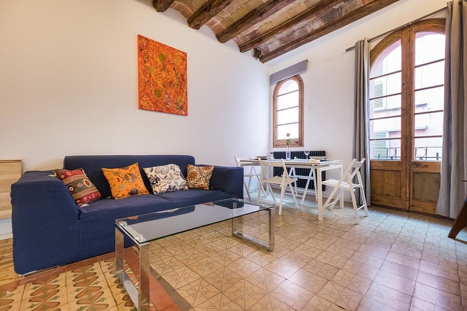 Apartamento con terraza en born barcelona home - Apartamentos en barcelona booking ...