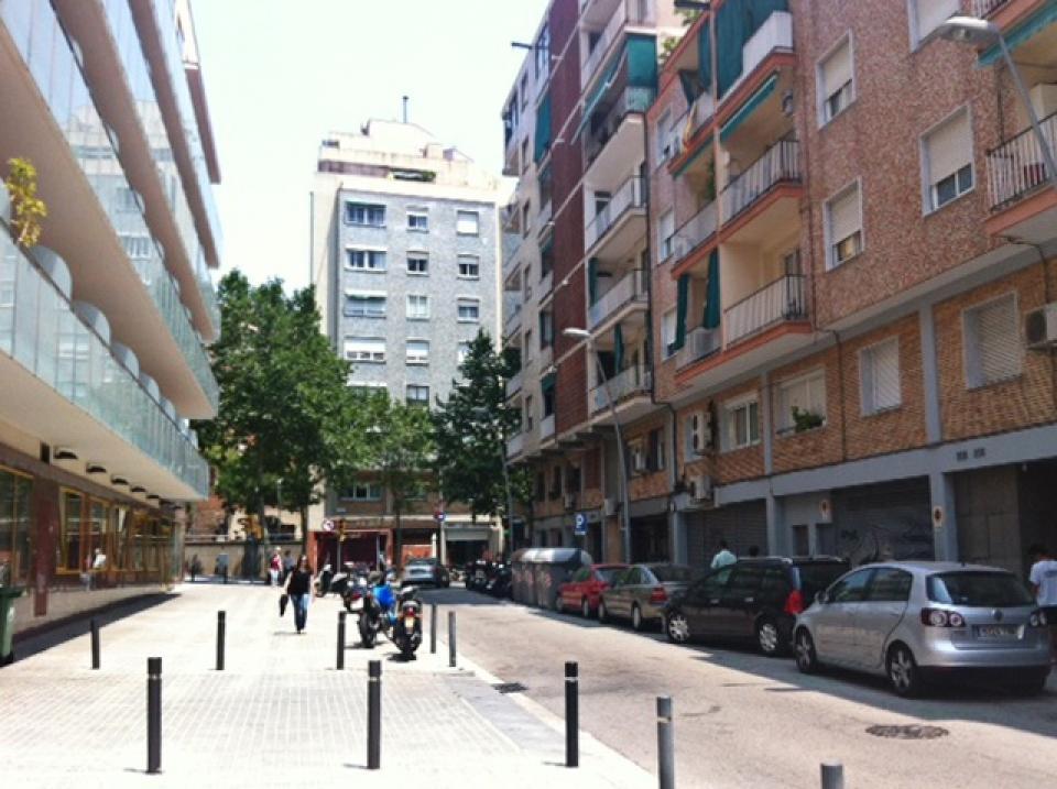 Stanza singola nel quartiere di gracia barcelona home for Quartiere gracia barcellona