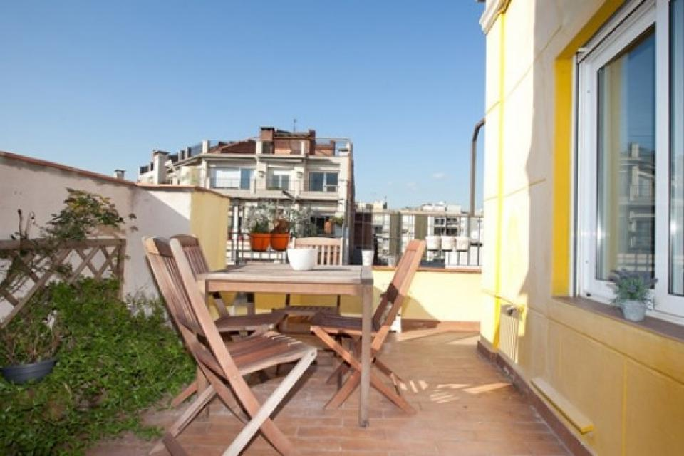 Appartement avec terrasse et parking dans le centre ville for Appartement barcelone piscine