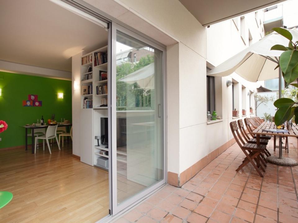 Apartamento con terraza playa barcelona barcelona home for Para desarrollar su apartamento con terraza