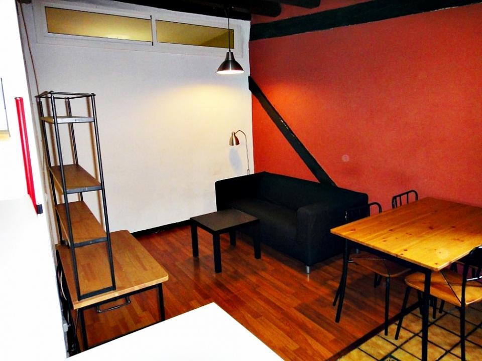 Appartamento con due camere da letto barcelona center for Appartamenti con due camere matrimoniali
