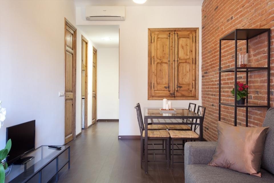 Edificio con varios pisos en alquiler en sagrada familia barcelona home - Piso alquiler sagrada familia ...