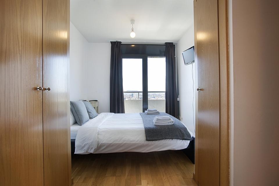 Alquiler de apartamentos en edificio con piscina barcelona barcelona home - Apartamentos en barcelona booking ...
