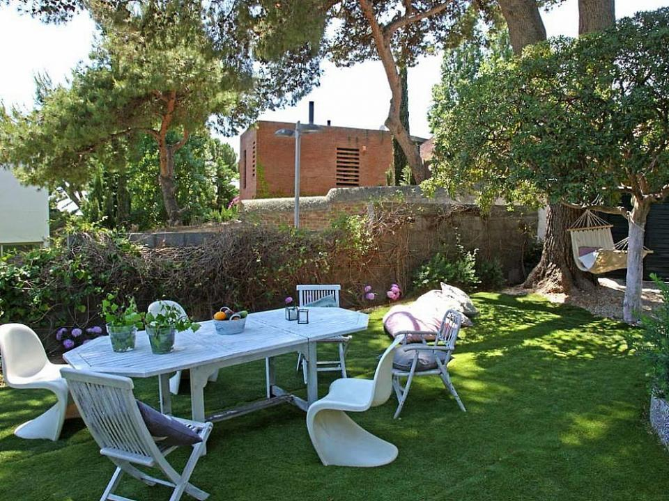 Maison moderne louer avec jardin terrasse et piscine - Recherche maison a louer avec jardin ...