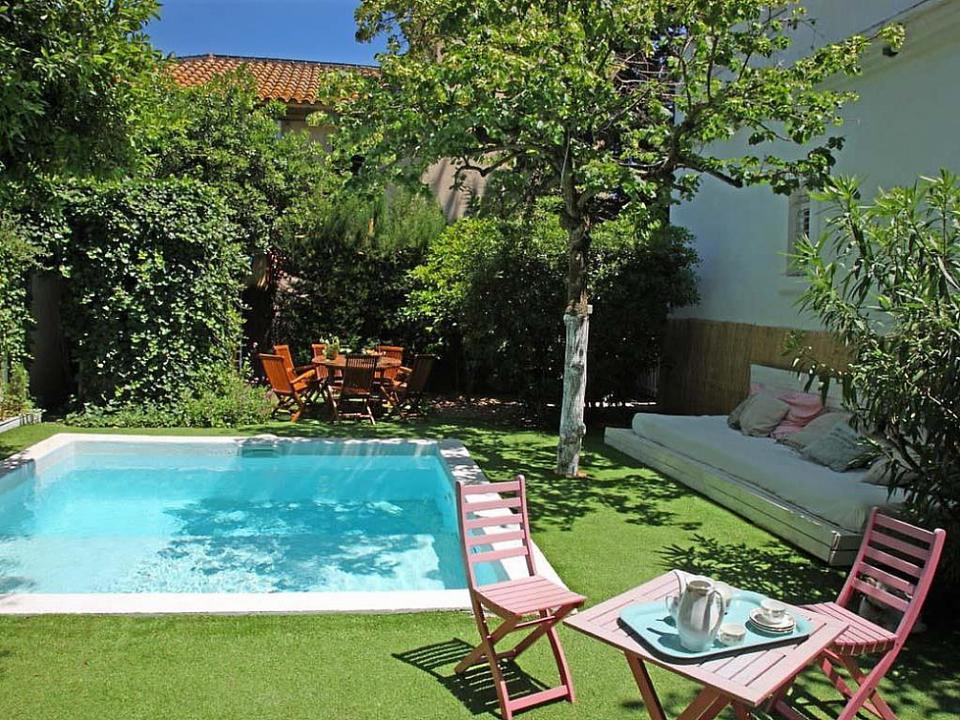 Casa modernista para alugar com jardim terra o e piscina for Piscina privada para dos